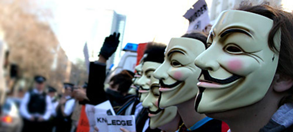 Facebook condannato a morte, Anonymous