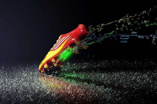 Adidas presenta la prima scarpa intelligente
