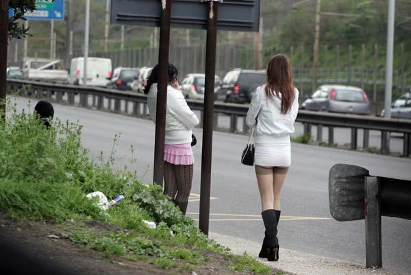 Reggio Emilia, ricerca antropologica su un gruppo di giovani prostitute migranti