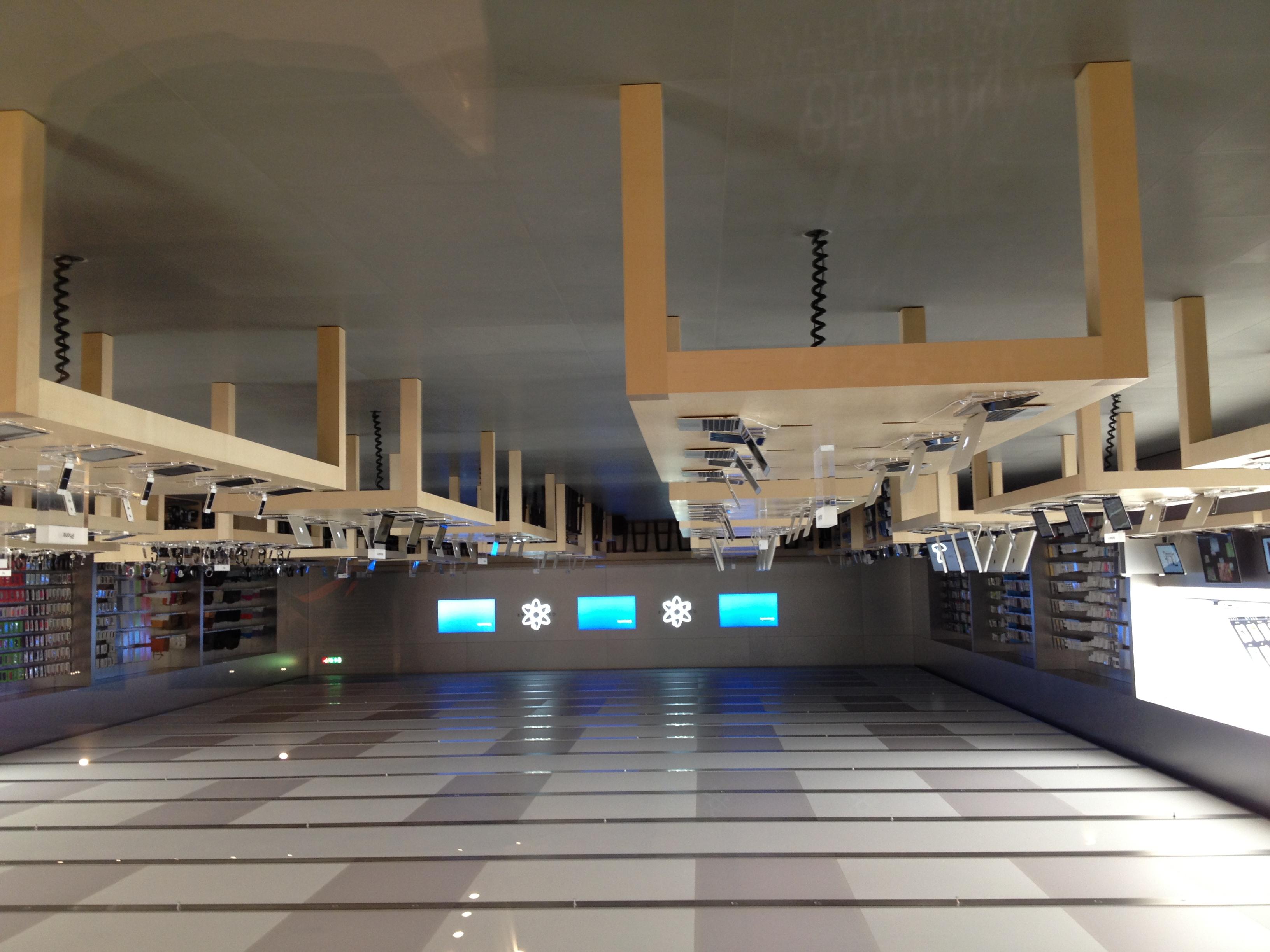 A  Lonato  nuovo 'Apple Store Il Leone', l'11/o in Italia