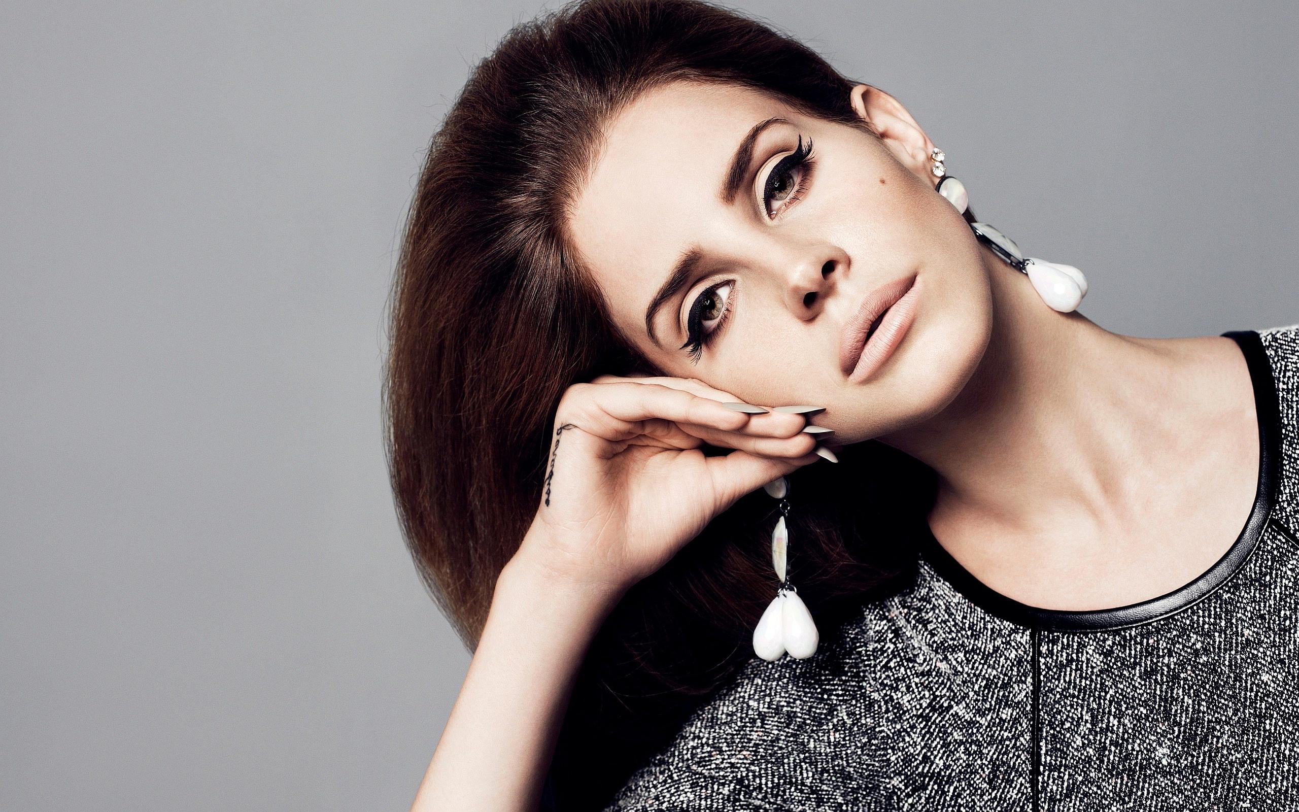 Lana-Del-Rey-Face