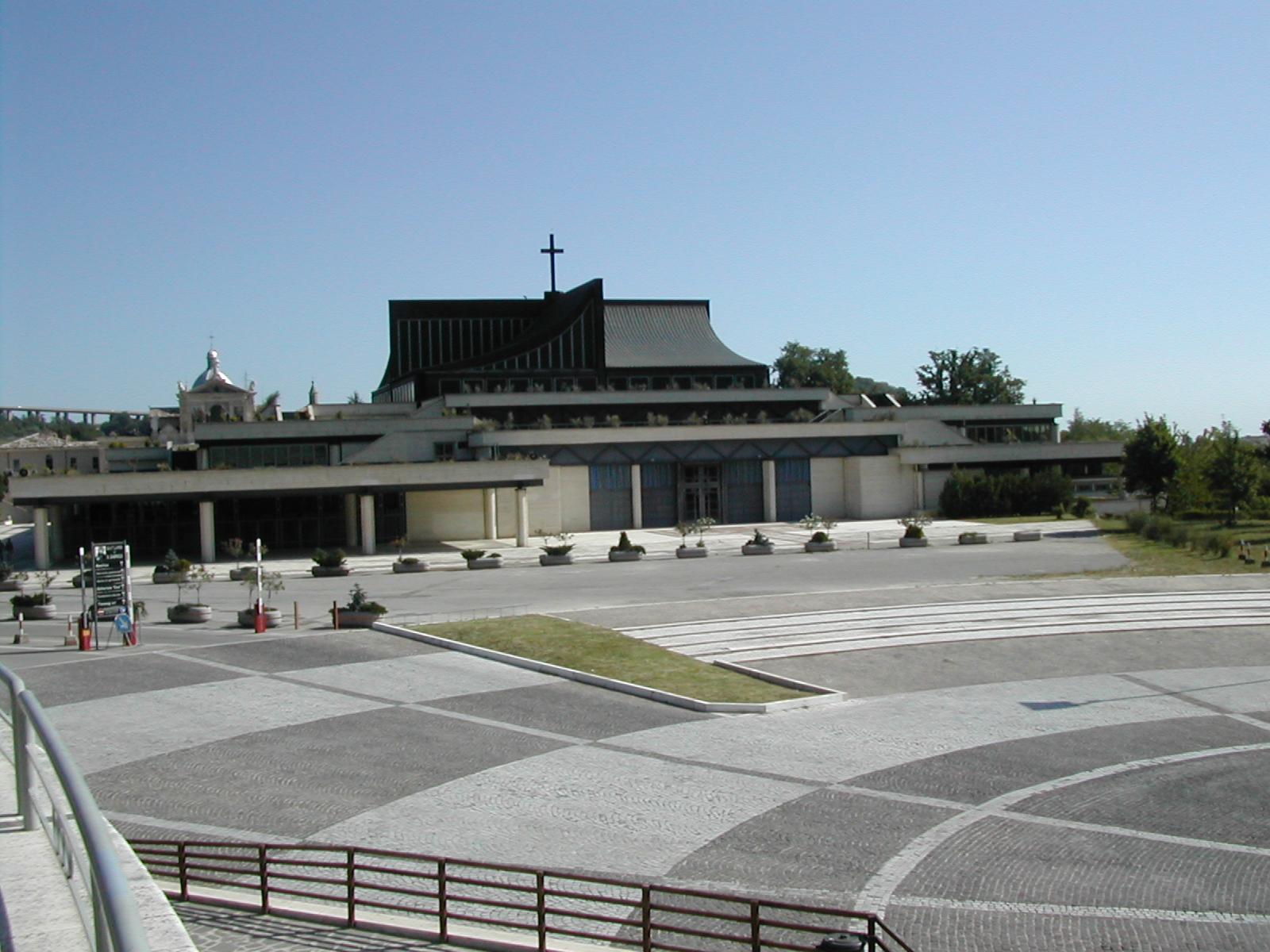 Santuario_San_Gabriele_dell'Addolorata_Abruzzo_07