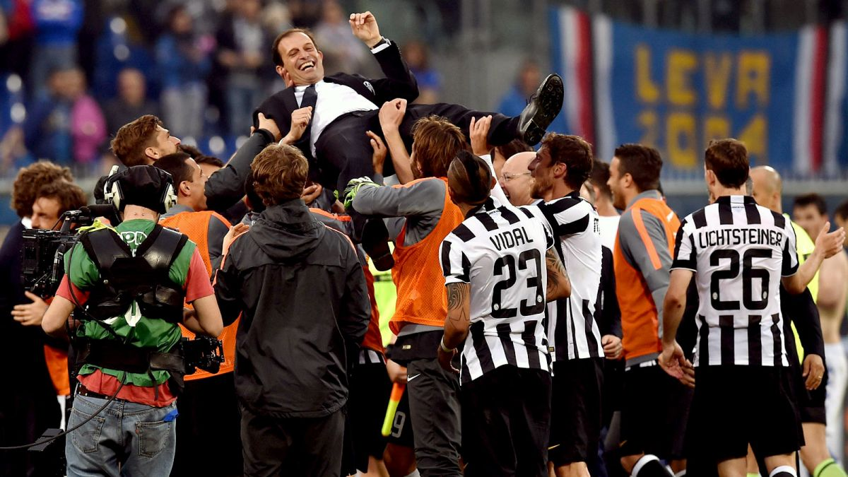050215-SOCCER-Massimiliano-Allegri-head-coach-of-Juventus-FC-is-lifted-by-his-players-MM-PI.vresize.1200.675.high.90