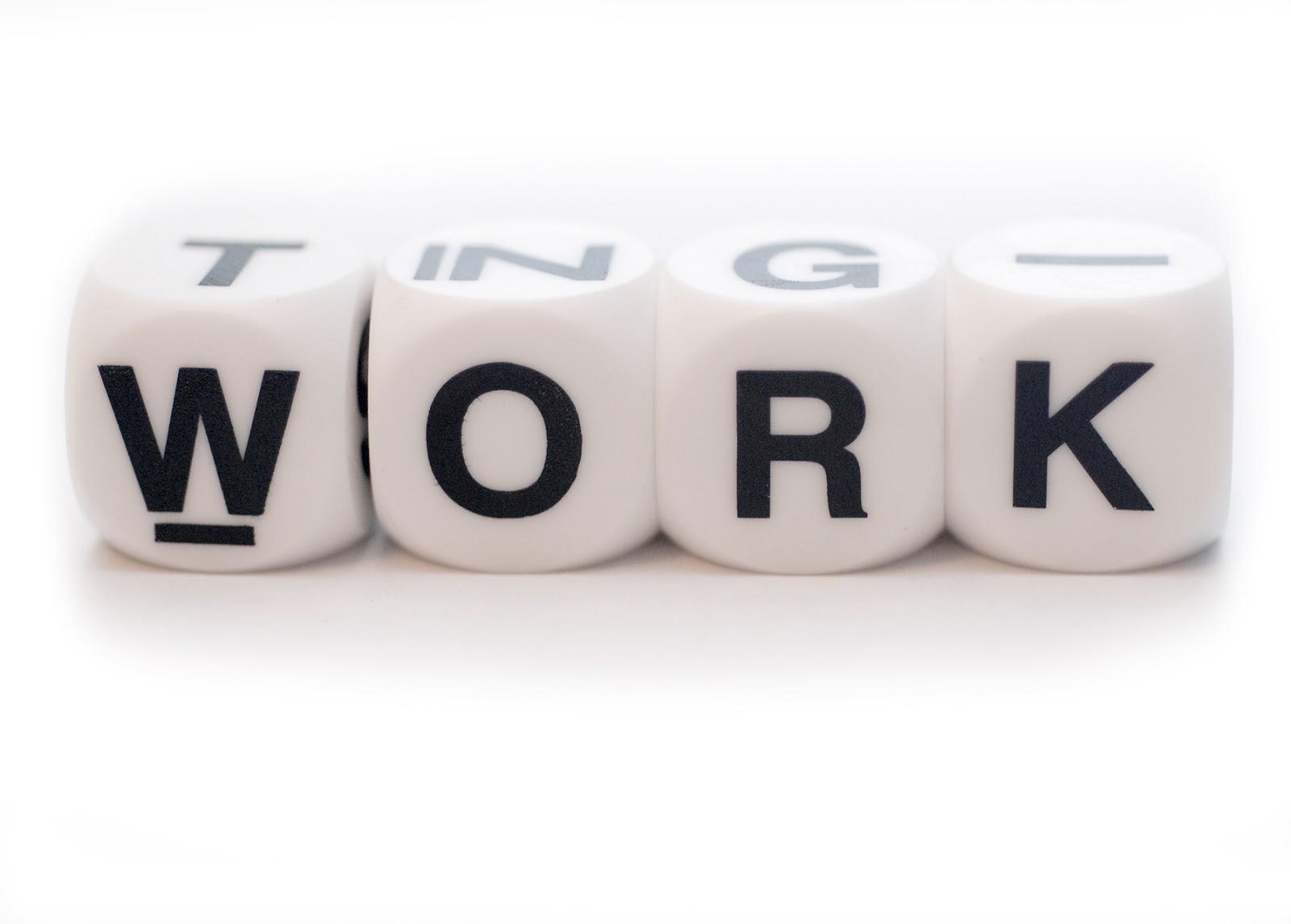 Manager e professionisti sono sempre connessi e aumenta il tempo dedicato al lavoro