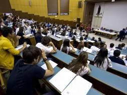 UNIVERSITA':A SAPIENZA PROTESTA CONTRO TEST E NUMERO CHIUSO