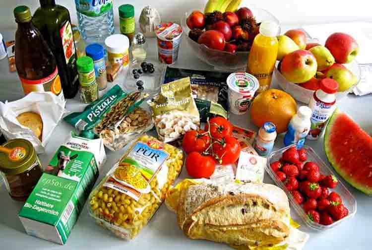 Ecco i dieci alimenti che si possono consumare sempre (o quasi)