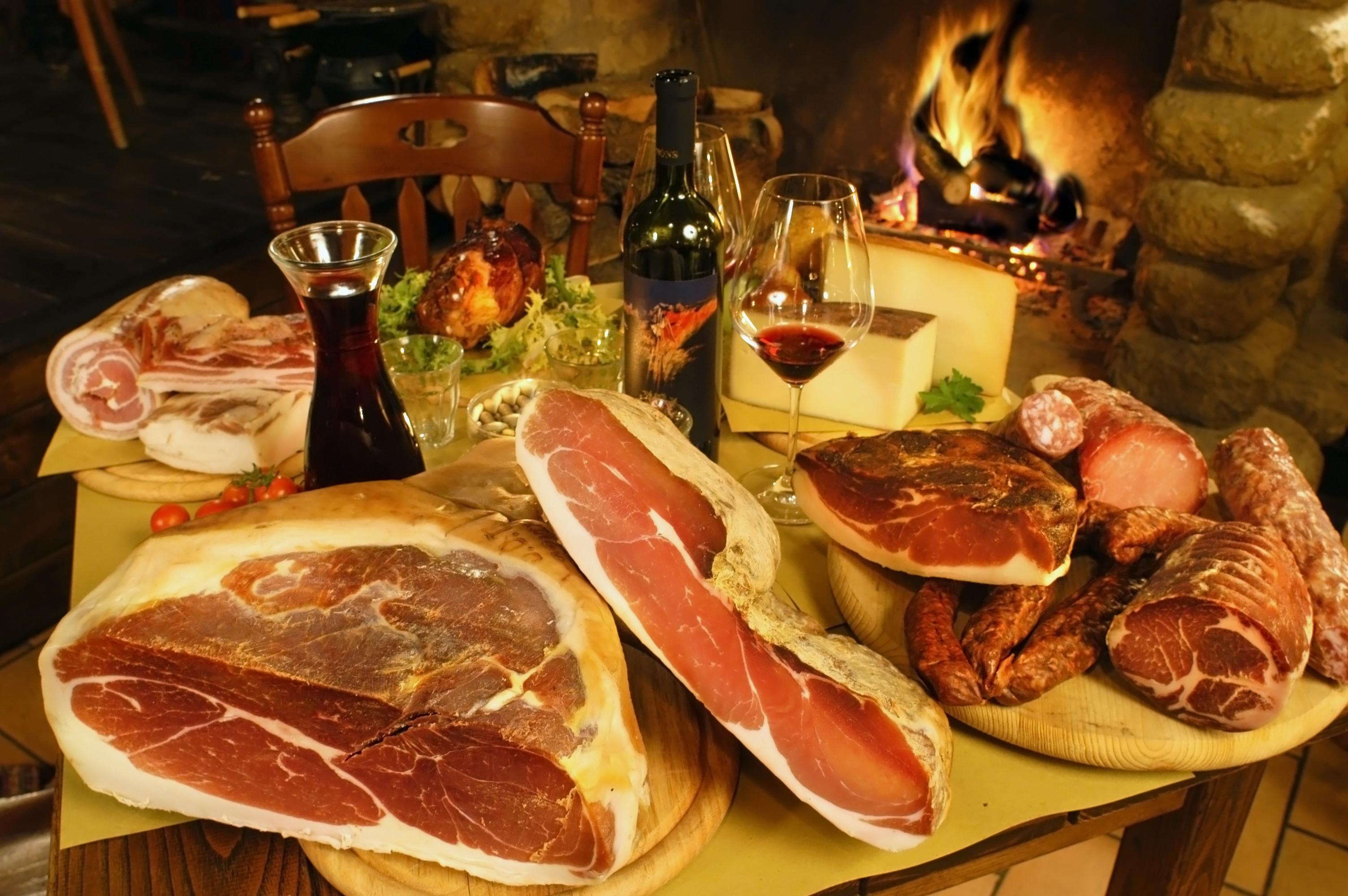 Salumi e formaggi – Prosciutto, spek, lonza, salame…