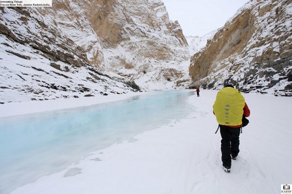 fiume di ghiaccio