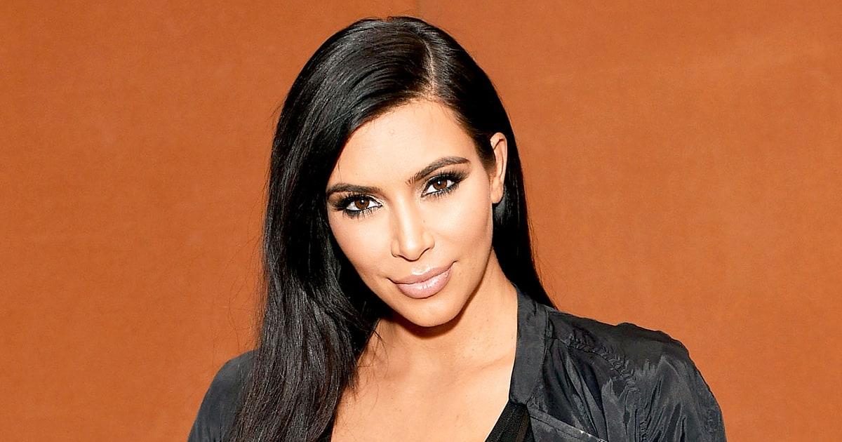 Kim Kardashian posa totalmente nuda in uno scatto post parto
