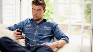 uomini celulare