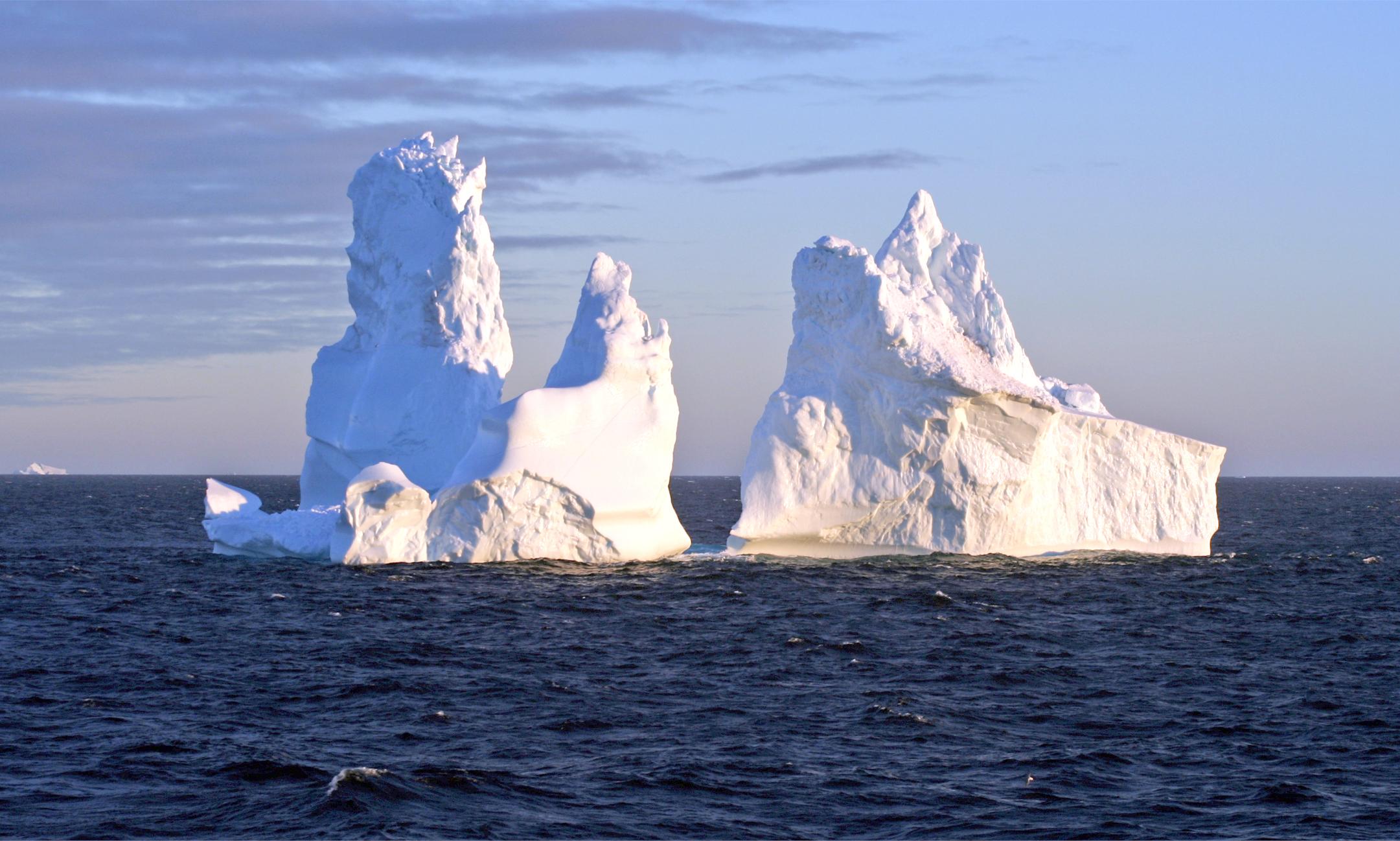 Antartide, Cnr-Isac: la piattaforma di ghiaccio del Nansen da' vita a due grandi icebergs