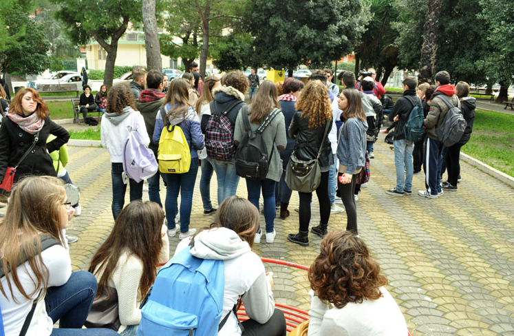 Scuola. Il 19,4% degli studenti italiani ha assistito ad atti di bullismo tra i banchi