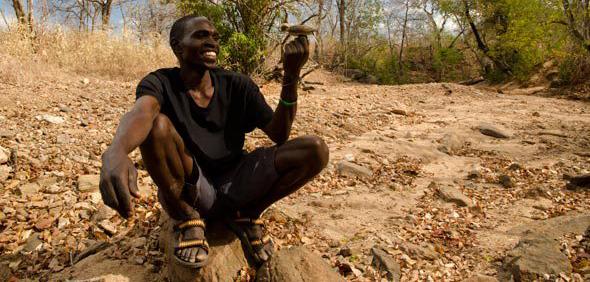 Ecco gli uomini che parlano con gli uccelli per trovare il miele