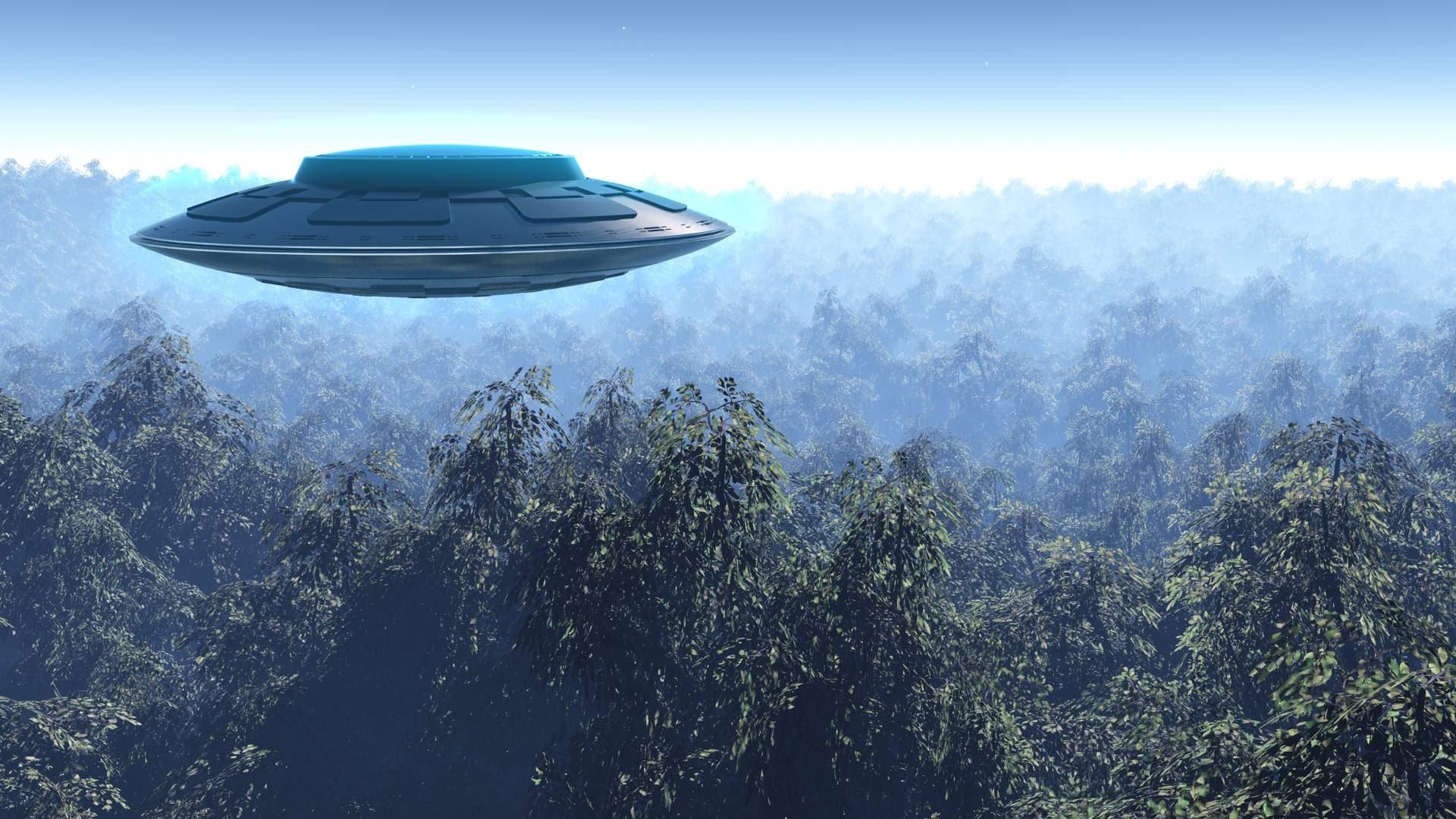 """UFO, ex ministro confessa in punto di morte: """"Sono entrato in un'astronave aliena nell'Area 51"""""""